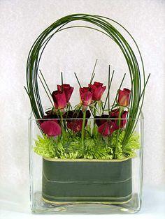 Ramo de 18 Rosas Tallo Corto, Rosas Rojas para San Valentín, Rosas Rojas para el Día de la Madre, Ramo de Regalo, Floristería Online