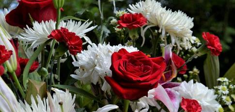 Ramo Funerario tonos Amarillos, Ramo para Tanatorio, Flores para dar Condolencias, Ramos Funerarios para Dar Pésame, Flores para Difuntos
