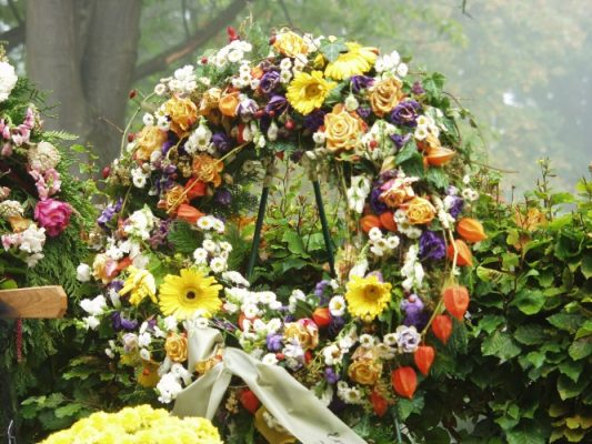 Corona Funeraria Elegancia, Flores para Sepelio, Corona para Difuntos, Enviar Flores al Tanatorio, Coronas de Flores para Tanatorio